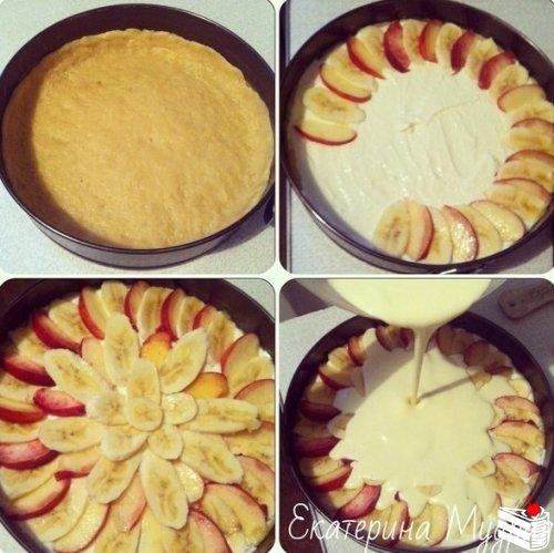 Творожная запеканка с персиками/бананами в сметанной заливке.