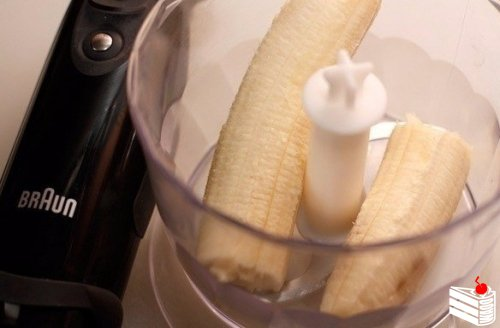 Горячий банановый коктейль с шоколадом.