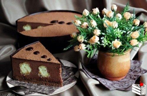 """Шоколадно-ванильный торт """"Облака в небо спрятались...""""."""