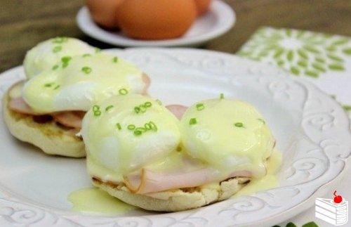Яйца Бенедикт.