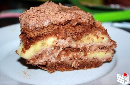 Шоколадно-банановый торт из пряников.