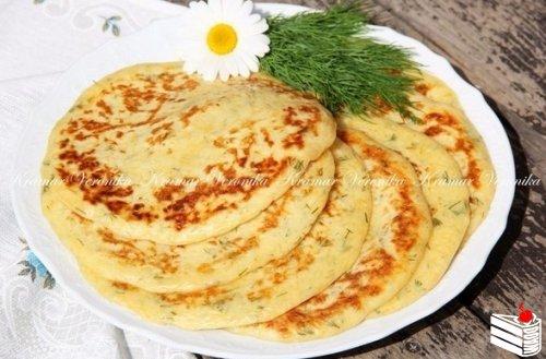 Лепёшки с сыром и зеленью.