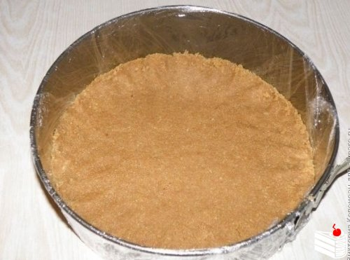 Желейный тортик из киви и сметаны без выпечки.