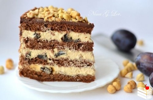 """Шоколадный торт с """"пьяным"""" черносливом и карамельно-сливочным кремом."""