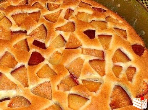 Очень легкий в приготовлении фруктовый пирог!