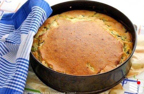 Быстрый заливной пирог с луком и яйцом.