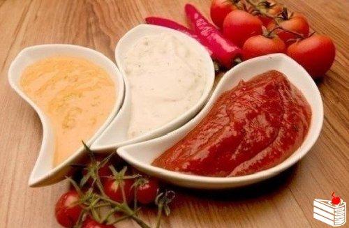 5 вариантов разных соусов.