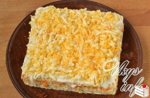 Закусочный торт из вафельных коржей с консервами