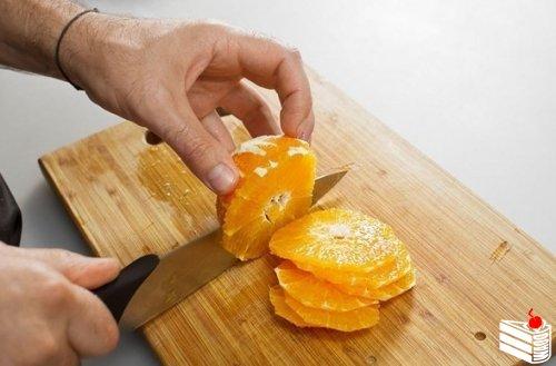 Курица, запеченная в хрустящей корочке, с имбирем и апельсинами.