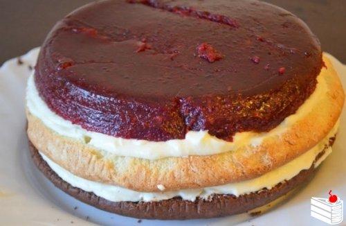 """Многослойный торт """"Мишель""""."""