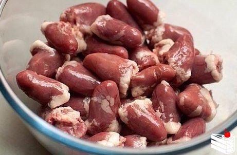 Шашлычки из куриных сердечек в духовке.