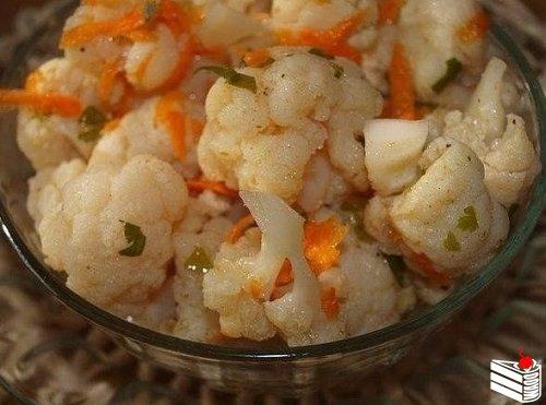 Цветная капуста по-корейски — очень вкусное диетическое блюдо.