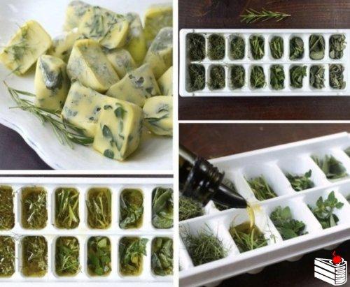 Заполните зеленью в формочки для льда, заливайте оливковым или растопленным сливочным маслом - и в м...