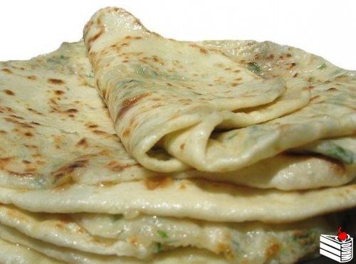 Дагестанское блюдо. Тонкая лепешка с начинкой.