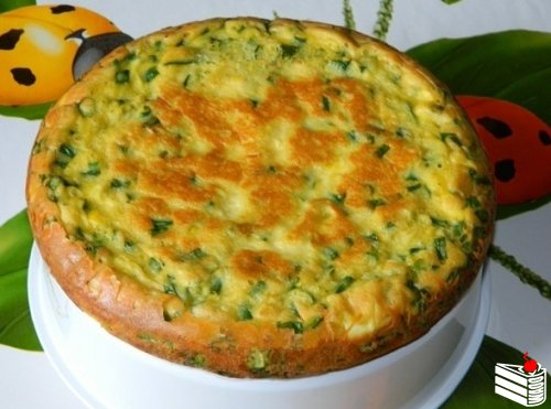 Пирог с яйцами и зеленым луком.