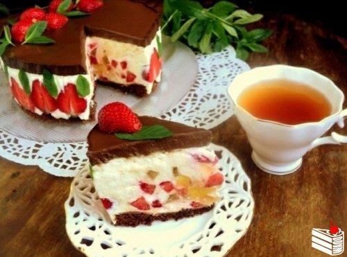 1460510435_Tort-Klubnika-i-shokolad