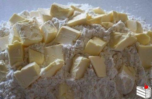 Песочный пирог с творогом.