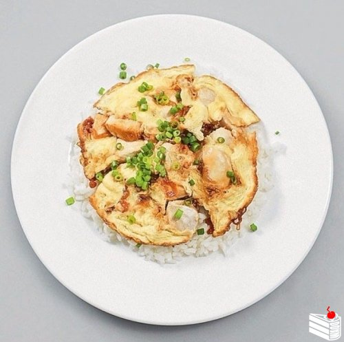 Японский омлет с рисом и курицей — Оякодон.