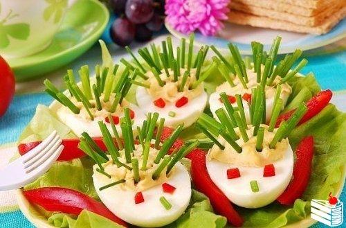 Фаршированные яйца - идеи подачи + варианты начинки.