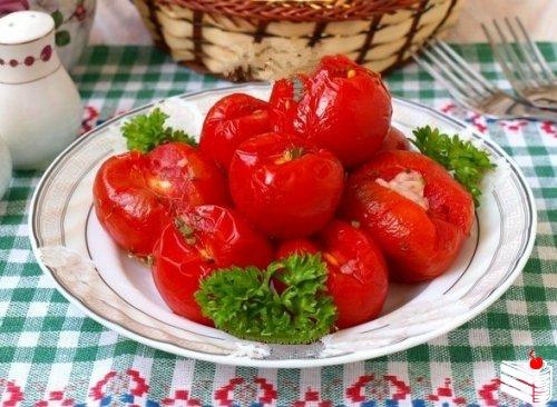 Малосольные помидоры в пакете.
