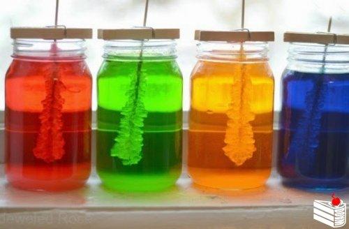 Выращивание съедобных леденцов-кристаллов.