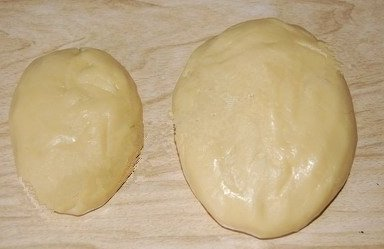 Пирог с вареньем из песочного теста.