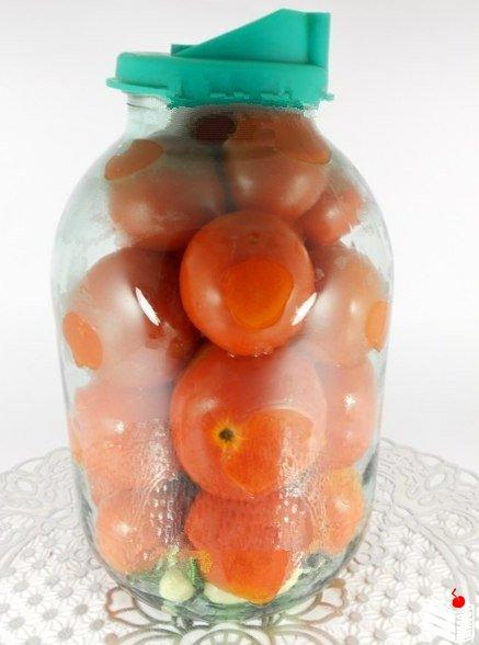 Рецепт маринованных помидоров от Елены Калининой.