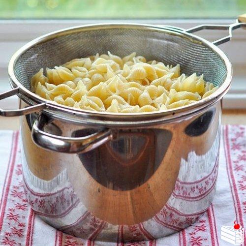 Паста с сырным соусом.