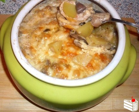 Жаркое из сердечек с грибами в горшочке или очень быстрый вкусный ужин :)