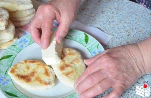 """Пирожки картофельные """"Бабушкины""""."""