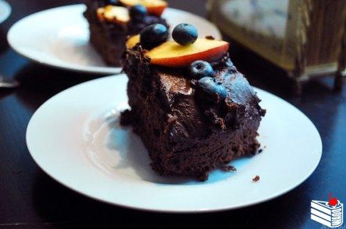 """Шоколадный торт """"Маленькое чёрное платье""""."""