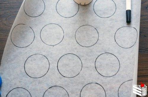 Классическое пирожное макарон