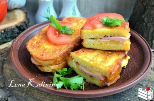 Рецепт горячих бутербродов с колбасой и сыром.