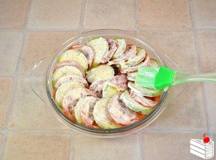 Запеченные кабачки и помидоры с сыром.