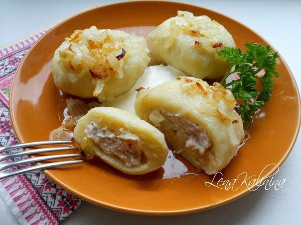 Картофельные галушки с мясом.