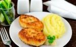 Картофельная запеканка с мясными шариками.