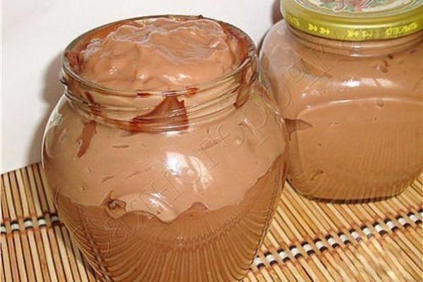 10 шоколадных десертов, которые можно приготовить за 10 минут.