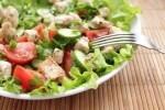 Салат из курицы и свежих овощей